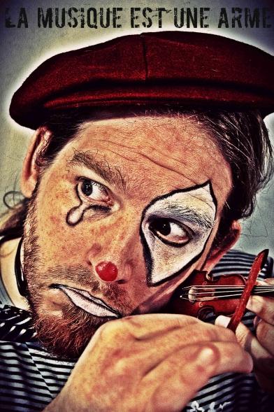 Mickael Feugray, clown triste, la musique est une arme, jason feugray, chanteur le havre, écrivain, auteur, groupe asphalte, rock havrais.