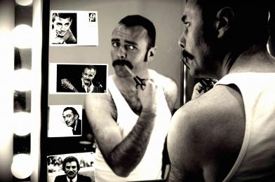 Séverin Foucourt, la troupe amochée, moustachus célèbres.